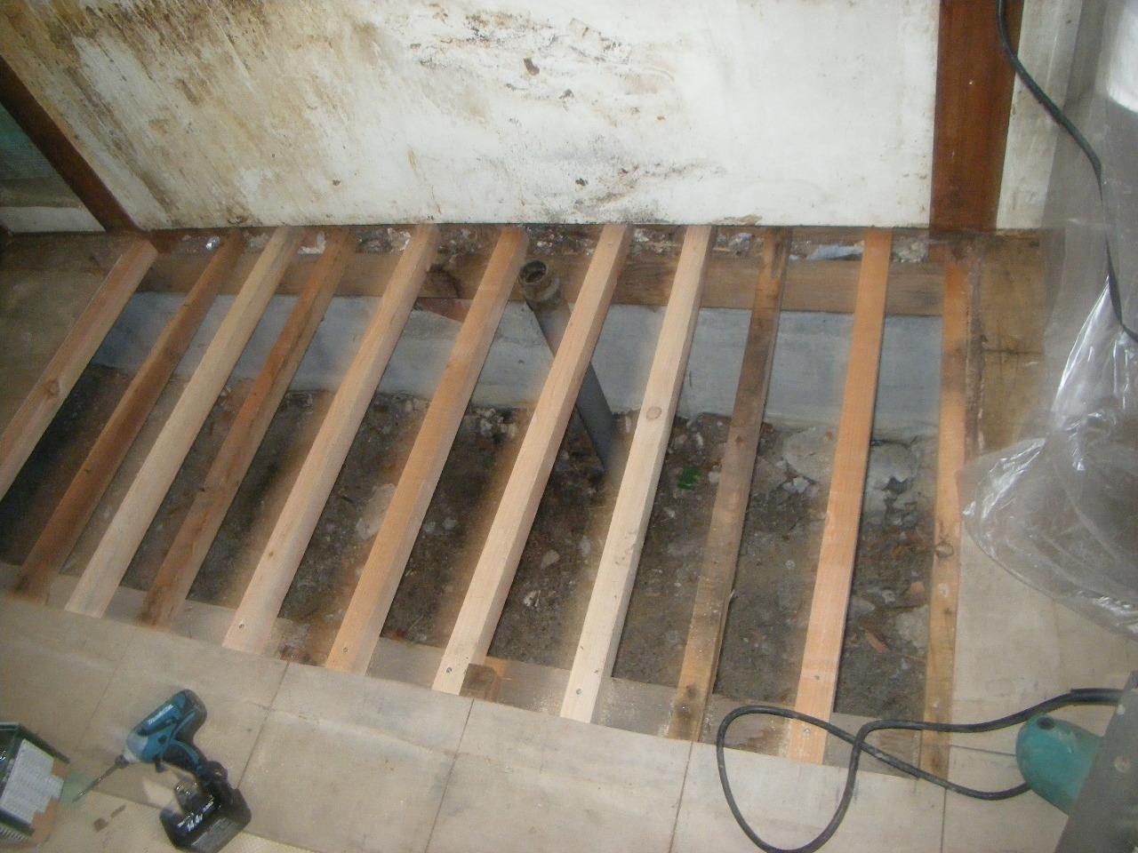 台所の部分的リフォーム 床組